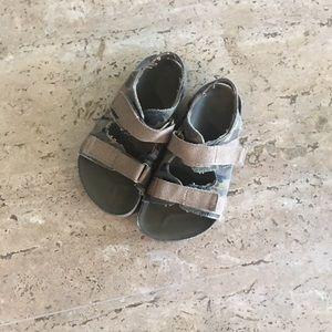 Boys camo sandals